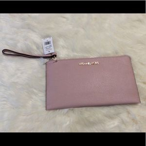 New MICHAEL KORS Pink Leather Clutch Wristlet BAG